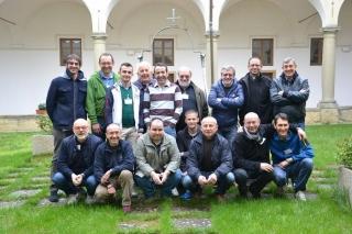 15 uomini